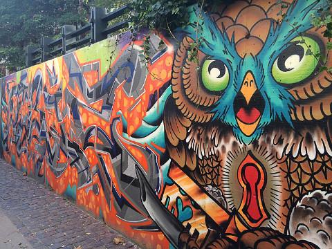 Gadekunst i København af ugle